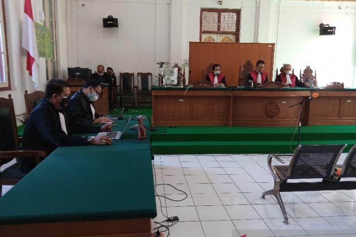 Hakim vonis penyuap Gubernur Sulawesi Selatan nonaktif Nurdin Abdullah dua tahun penjara