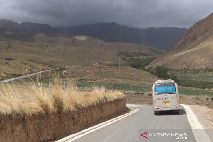 13 tewas, 45 terluka akibat kecelakaan bus di Gansu-China