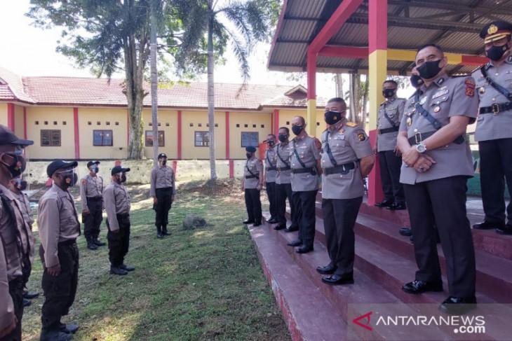 Kapolres Merangin berikan motivasi kepada pemuda SAD yang lulus dan ikut pendidikan Bintara Polri