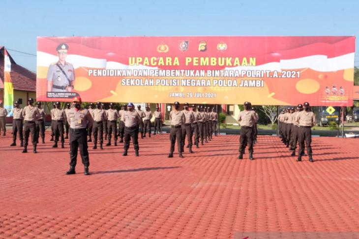 Seratus putra Papua ikut pendidikan bintara di SPN Jambi