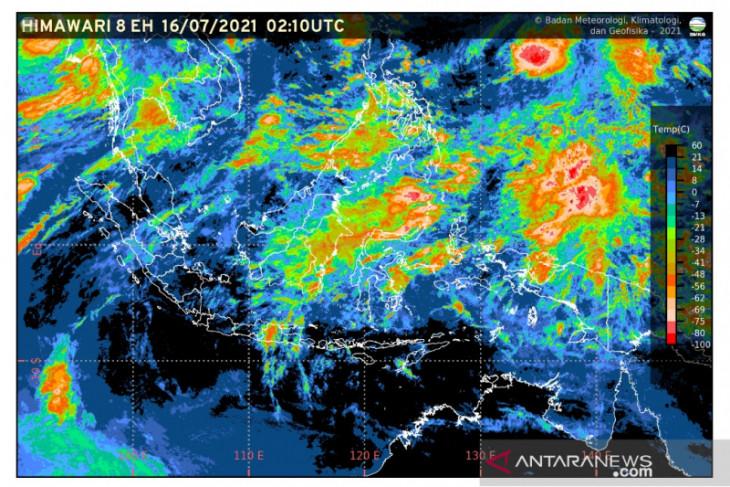 Beberapa wilayah di Indonesia  berpotensi hujan lebat disertai angin