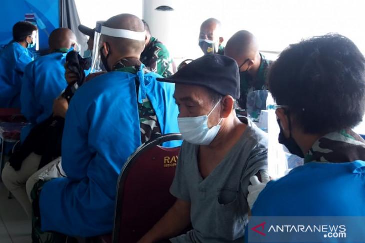 Serbuan vaksin untuk masyarakat maritim Surabaya