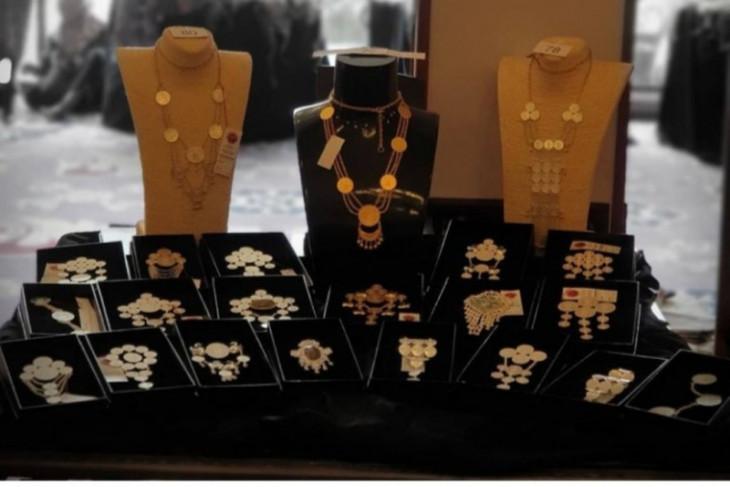 Cantiknya Perhiasan koin kuno peninggalan Belanda Wizra Jewellery