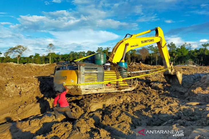 Pemilik Excavator kasus PETI Kapuas Hulu belum memenuhi panggilan polisi
