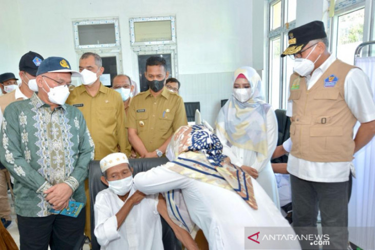 Pantau vaksinasi COVID-19 di Sabang, ini penekanan gubernur Aceh