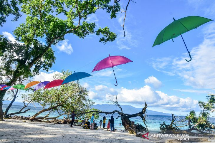 DPRD Maluku fasilitasi persoalan ganti rugi lahan desa Liang taati aturan