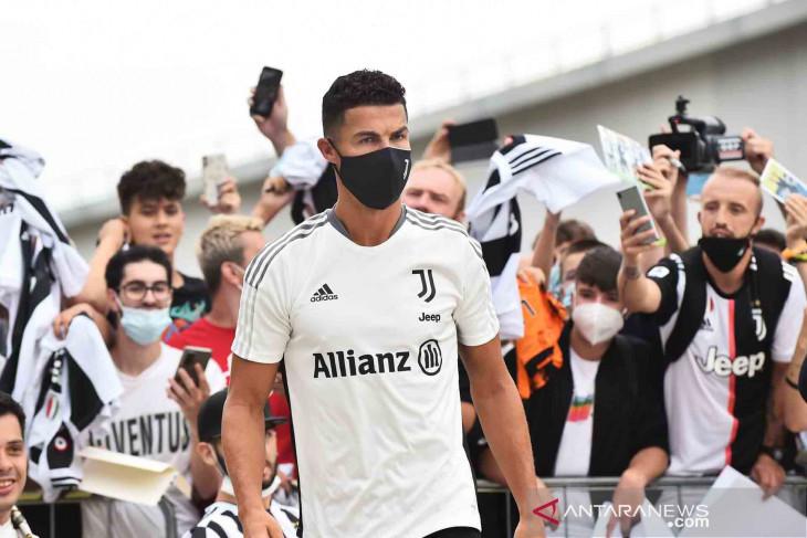 Ronaldo  bungkam semua rumor kepergiannya dari Juventus