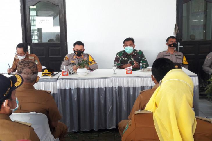 Kapolres Langkat bertemu tokoh masyarakat Kota Stabat antisipasi penyebaran COVID-19