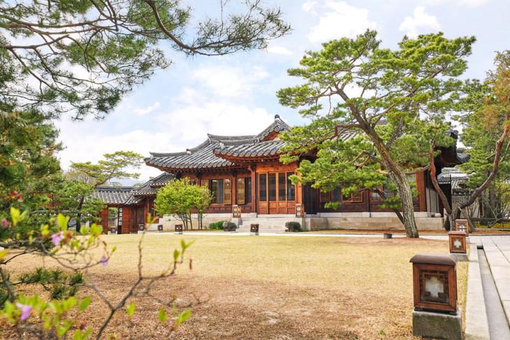 Ikuti jejak BTS  ke empat tempat tradisional Korea ini