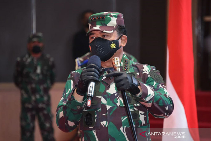 Gegara viral video injak kepala Panglima TNI perintahkan Kasau copot Danlanud JA Dimara