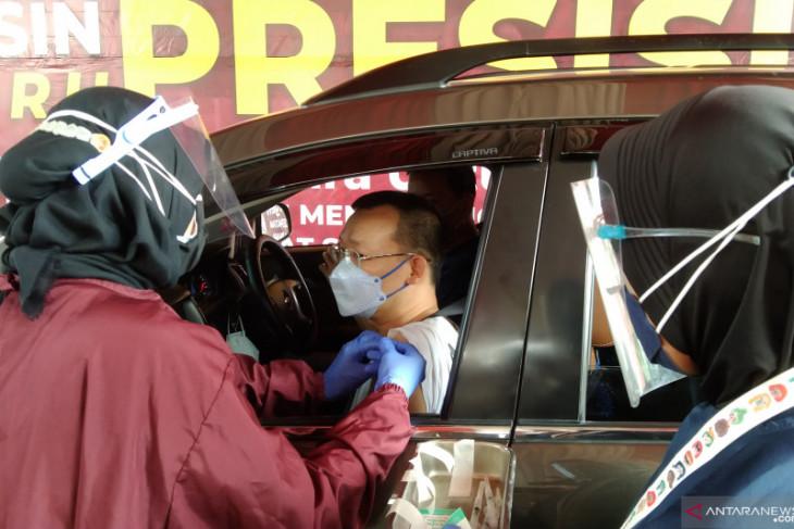 Sebanyak 20.673.079 penduduk Indonesia  telah terima vaksin lengkap