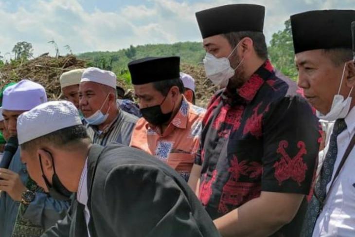 Hadir mendampingi HBA, Pinto Jayanegara sumbang pembangunan Ponpes Daaru At Tauhid