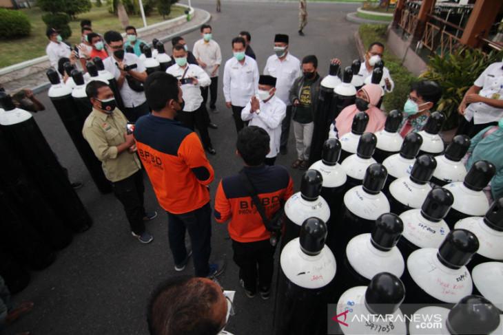 Pemprov Jatim bantu 45 tabung oksigen untuk rumah sakit COVID-19 Situbondo