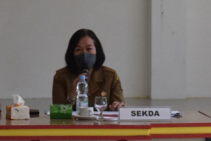 Sekda Sintang pimpin dengar pendapat sengketa 20 desa hasil pilkades 2021