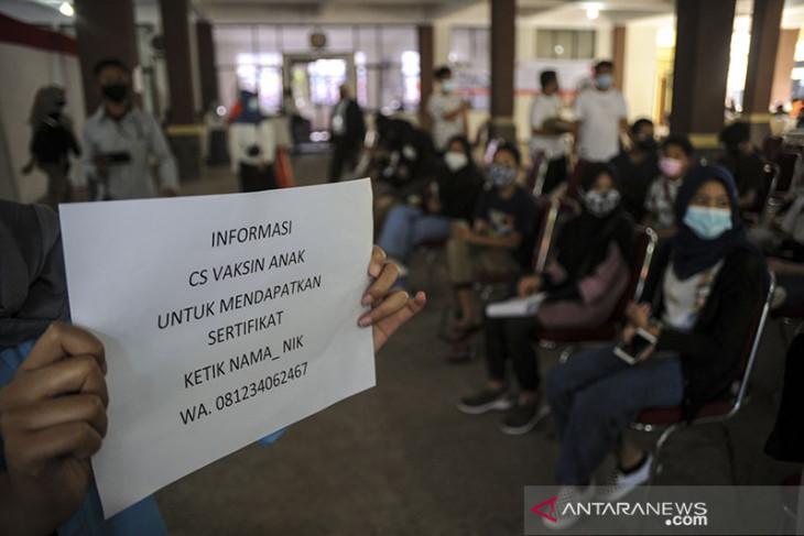 Vaksinasi COVID-19 BAGI anak di Bandung
