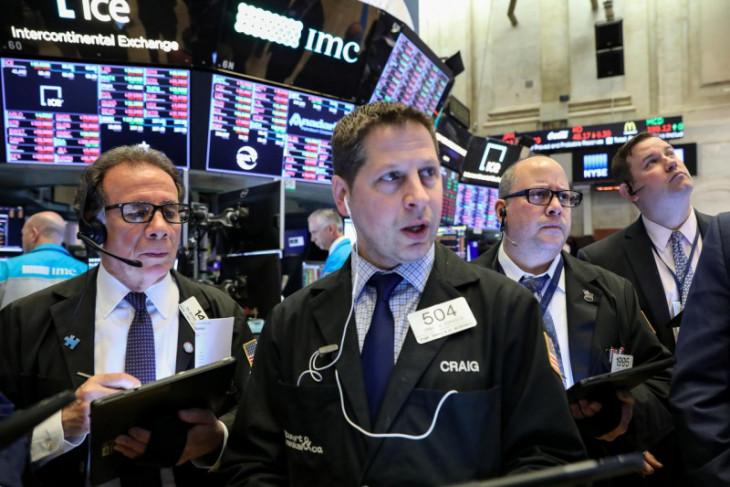 Wall Street dibuka melemah,  investor fokus pantau laporan laba
