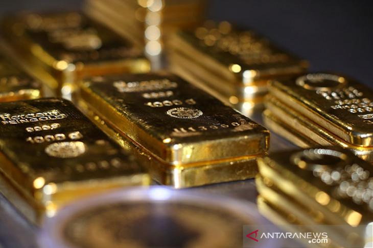 Emas menyusut 10 sen, investor pertimbangkan strategi kebijakan Fed