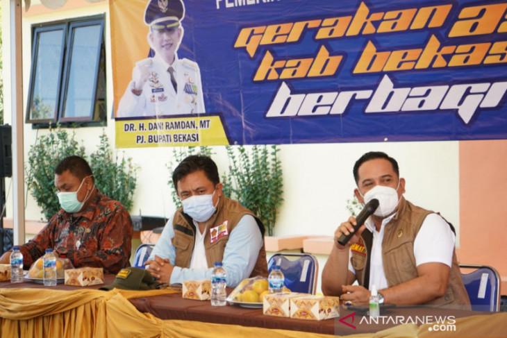Pemkab Bekasi mulai lakukan kegiatan ASN Berbagi untuk warga terdampak COVID-19