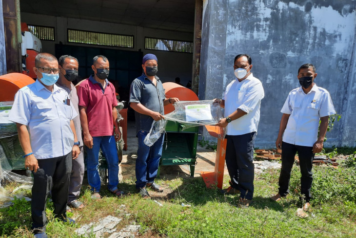 Tingkatkan hasil pertanian, Pemerintah Aceh Jaya salurkan Alsinta untuk petani