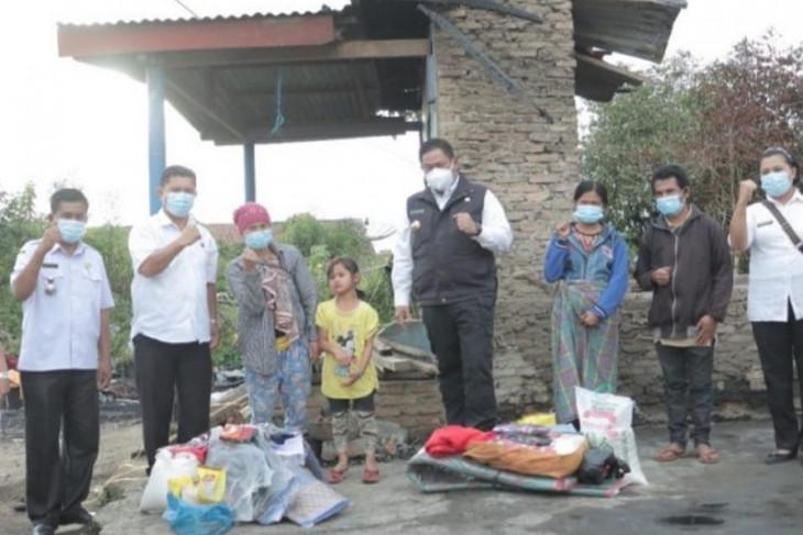 Bupati Dairi salurkan bantuan korban kebakaran