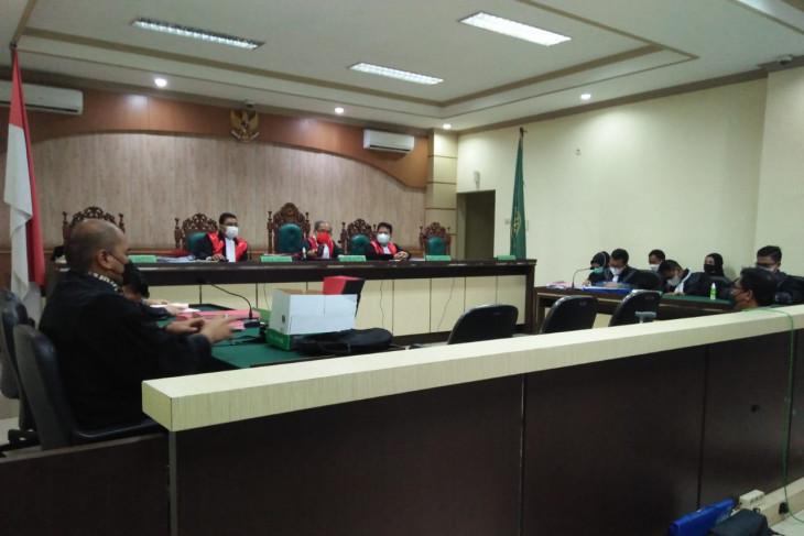 Mantan Direktur RSUD Boejasin  dituntut lima tahun penjara