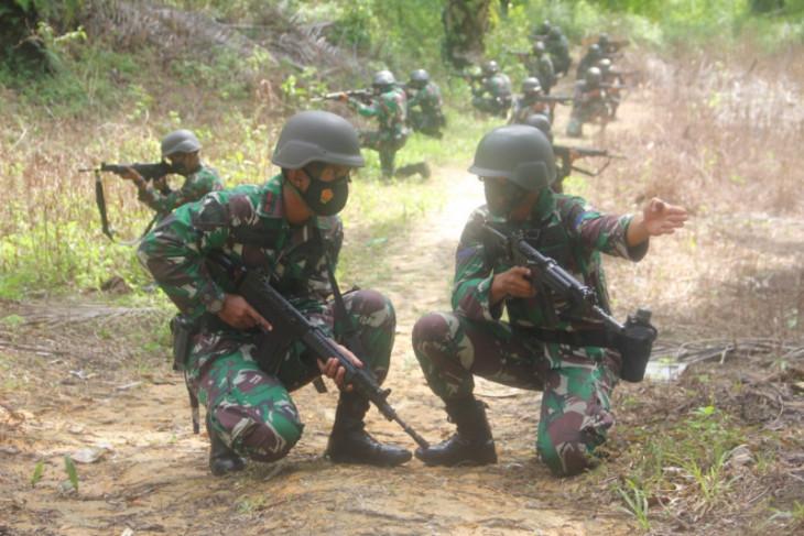 Prajurit Harimau Putih Yonif 8 Marinir Langkat latihan tempur