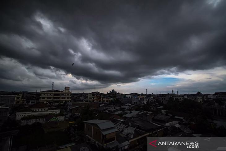Hujan lebat dan angin kencang berpotensi mengguyur sejumlah wilayah Indonesia