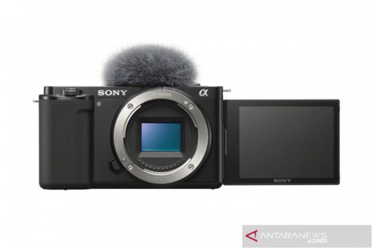 Kamera Sony Alpha ZV-E10 mungkinkan pengguna tukar kamera lensa