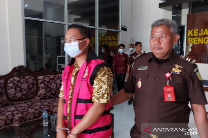 Kejari Bengkulu Tengah tahan kades Tanjung Heran tersangka korupsi DD