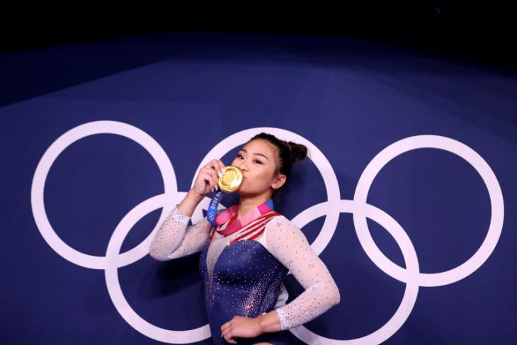 Kisah Sunisa Lee, dari pengungsi, COVID-19 hingga emas Olimpiade 2020