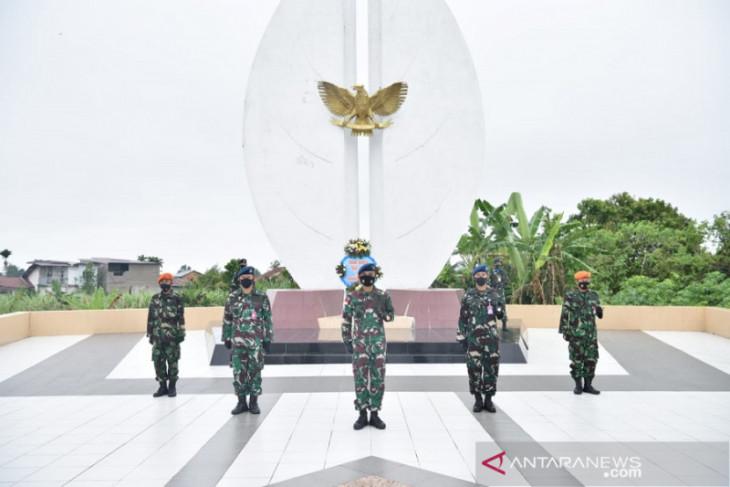 Danlanud Supadio ajak prajurit TNI AU bantu masyarakat di tengah pandemi