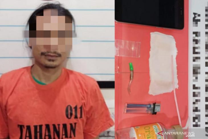 Satu paket sabu dan alat hisap menjadi barbuk penangkapan warga Aluan Besar
