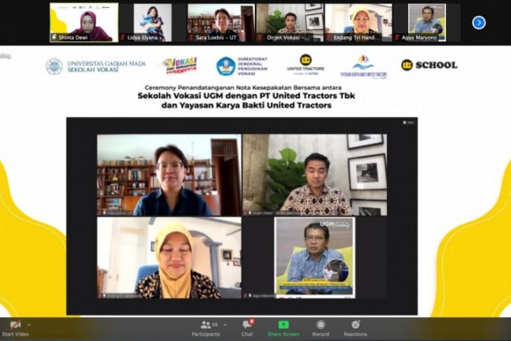 Vokasi UT kerja sama dengan sekolah vokasi UGM