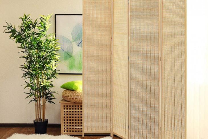 Dekorasi menggunakan bambu tidak kalah menarik