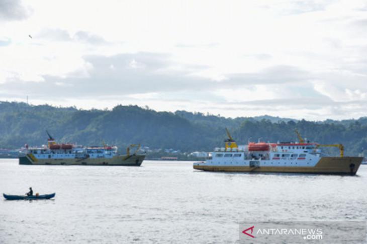 Passenger ships from outside NTT still banned entry