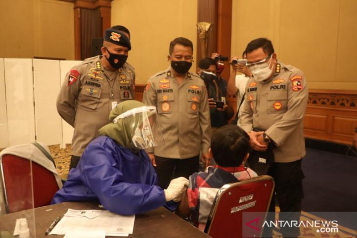 Alumni Akpol 1991 dan PB HMI gelar  vaksinasi massal di Kota Bogor