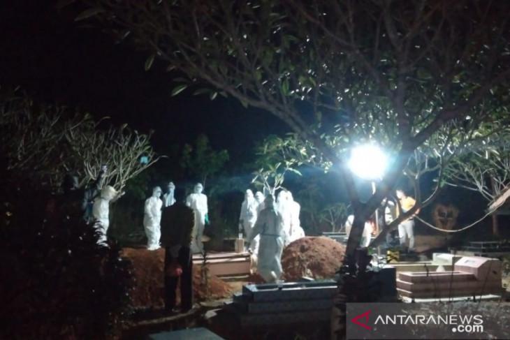 Tim pemakaman jenazah COVID-19 Ogan Komering Ulu kekurangan personel