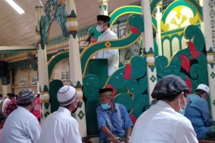 Jadi khatib Jumat di Masjid Agung Pondok Tinggi Sungaipenuh, Ketua DPRD ingatkan masyarakat waspada hoax