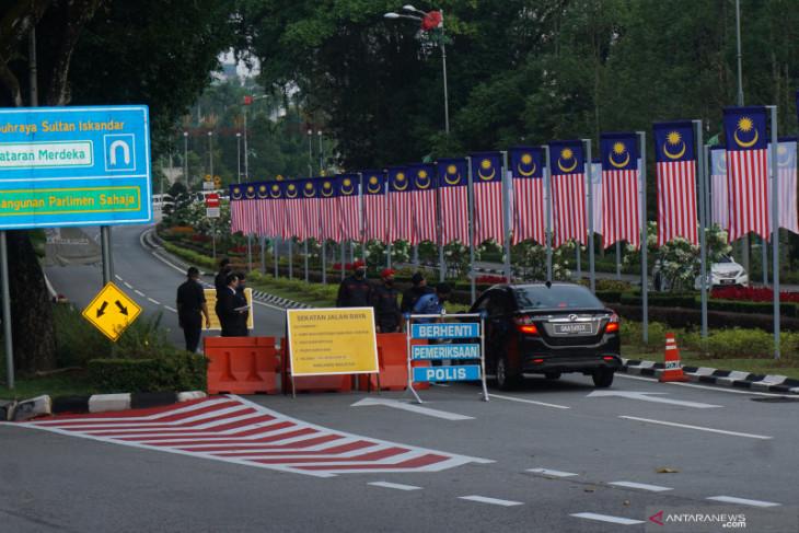 PM Muhyiddin tunda sidang parlemen Malaysia, Pakatan Harapan menolak
