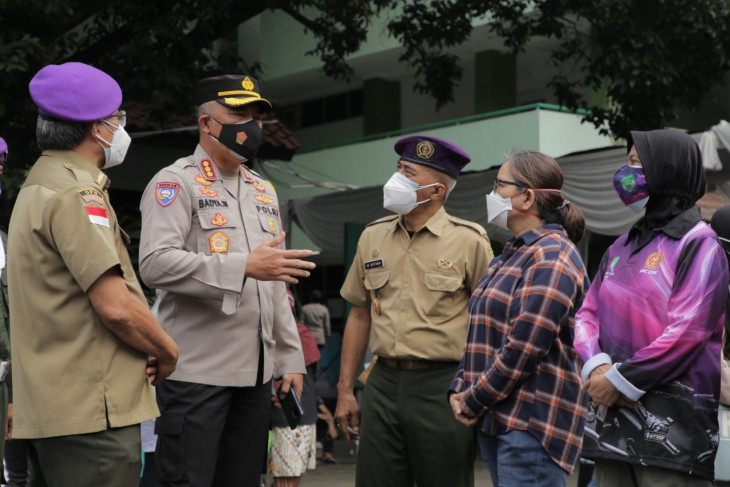 UPNVJ, Jakarta Police roll out mass vaccinations for residents