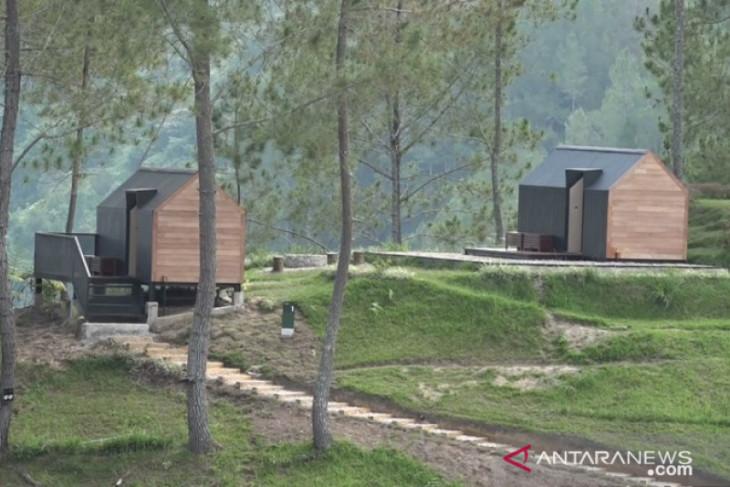 Hotel kapsul ramah lingkungan tempat baru berwisata di Danau Toba