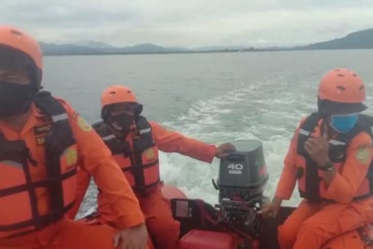 Basarnas cari nelayan bagan pancang yang dikabarkan hilang