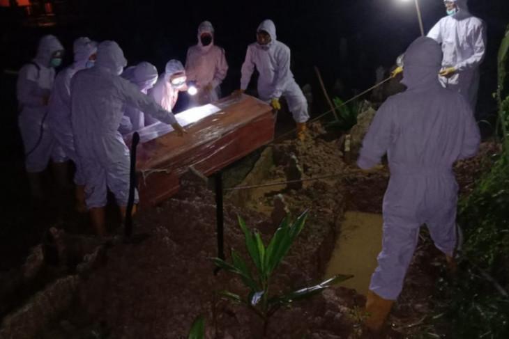 Warga Tanjung Pura Langkat positif meninggal dimakamkan dengan protokol COVID-19