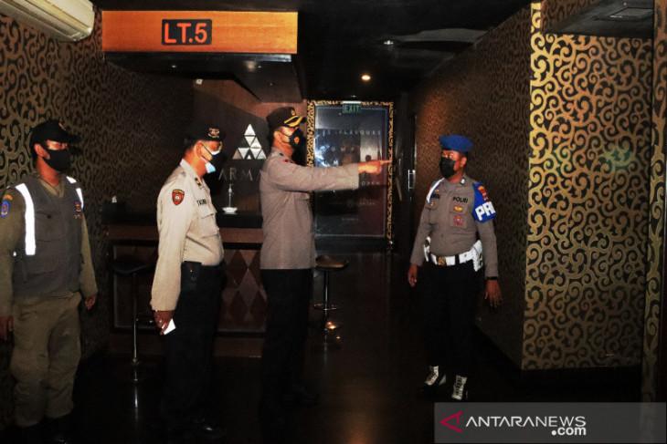 Petugas gabungan gelar operasi sambangi tempat hiburan malam