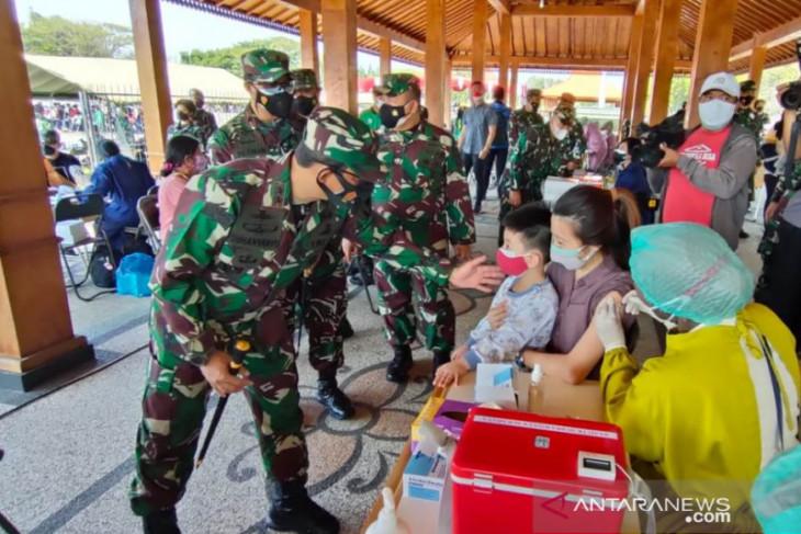 Pangdam V/Brawijaya imbau masyarakat tak khawatir layanan vaksinasi dosis dua