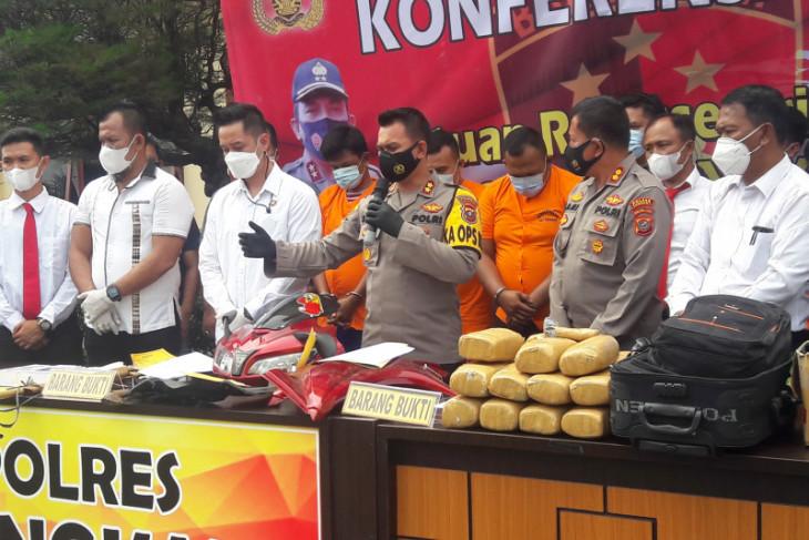Kapolres Langkat : Tersangka pembawa 20 kilogram ganja tujuan Padang