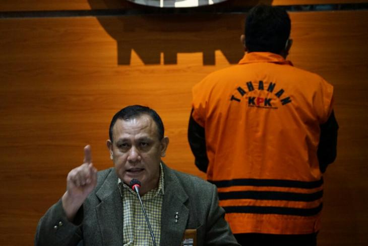 KPK menahan Direktur PT ABAM  tersangka korupsi pengadaan tanah di Munjul DKI Jakarta