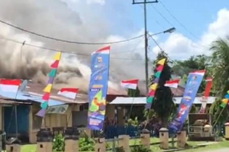 Kapolda Papua sebut keluarga korban penembakan bakar Polsek Nimboran