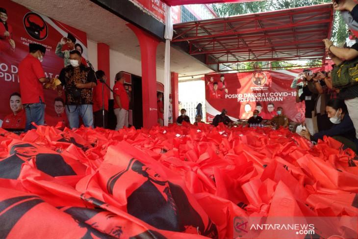 Tiga Anggota DPRD Kabupaten  Garut sumbang gajinya untuk penanganan COVID-19