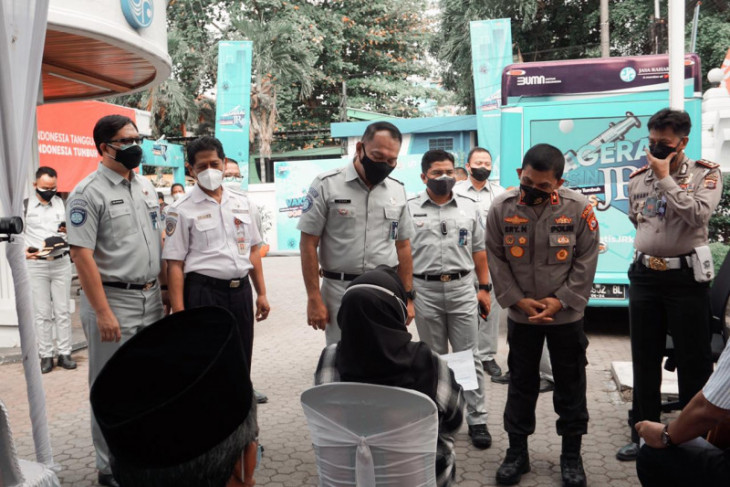 Menekan Virus COVID-19, Jasa Raharja bersama Polda Banten gelar vaksinasi di Serang